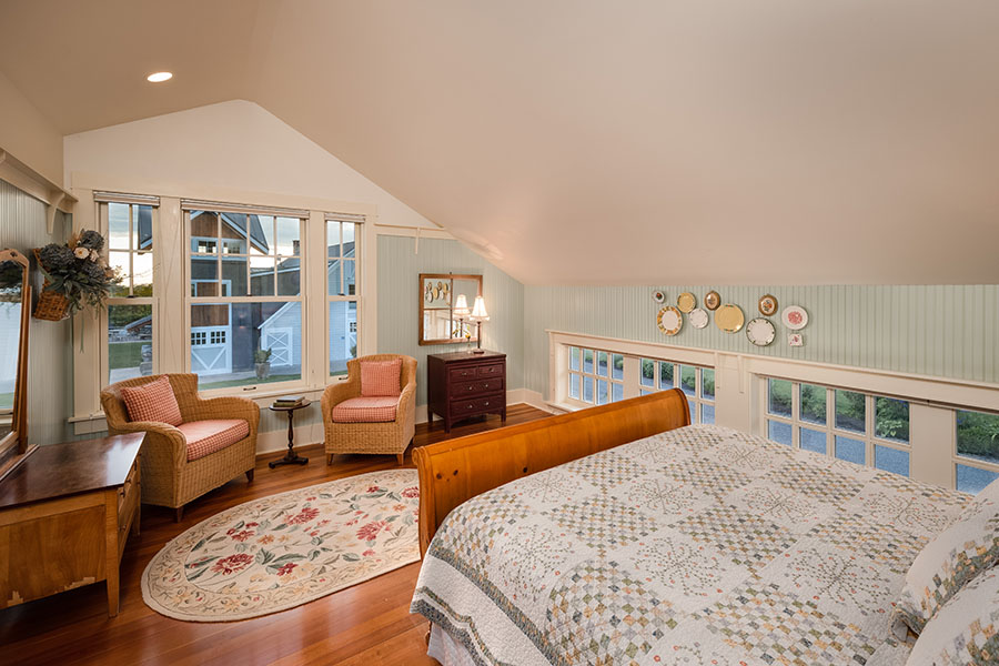 Carriage House top bedroom